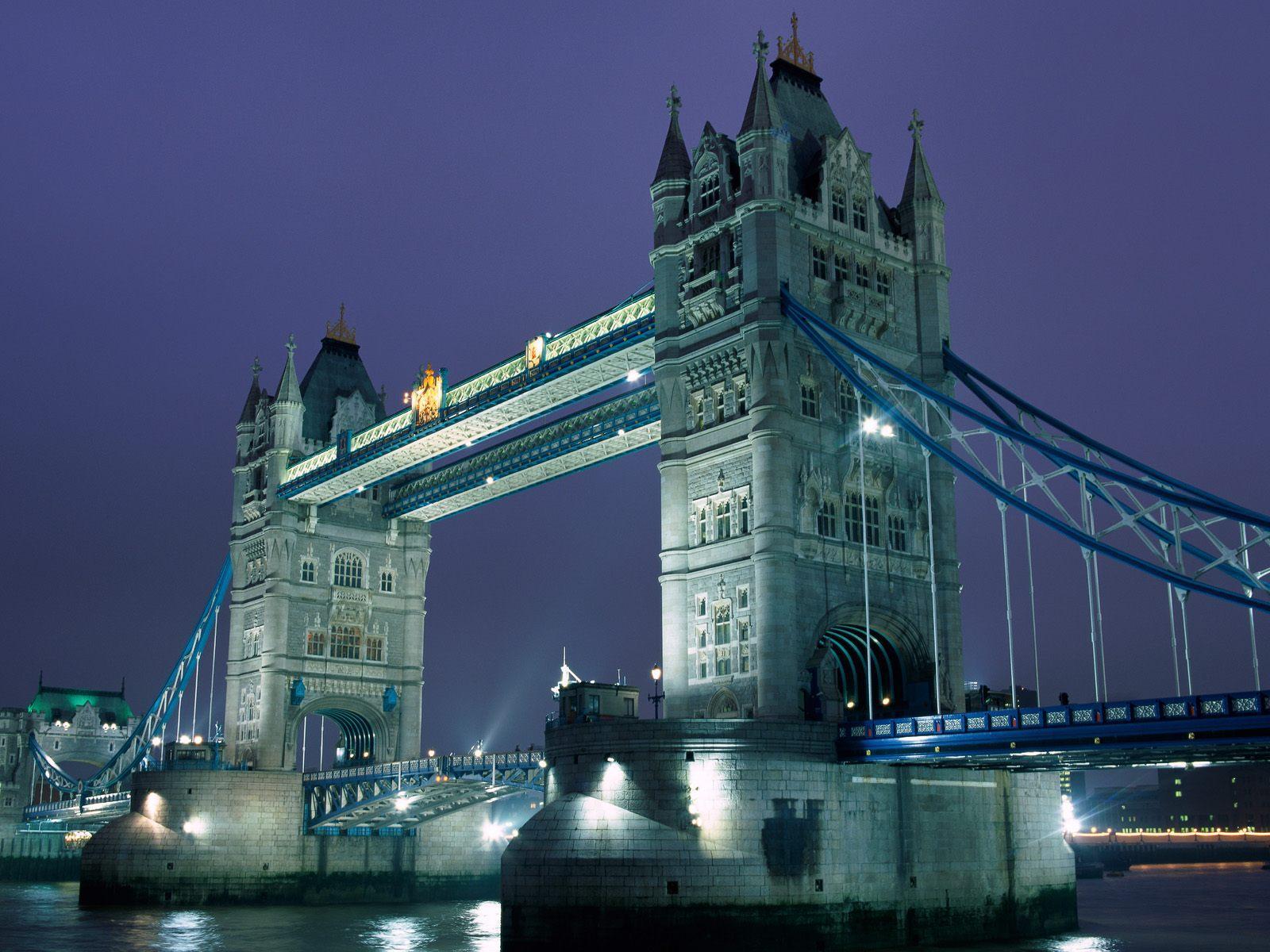 November 25 2011 at 1600 × 1200 in tower bridge weekend closure